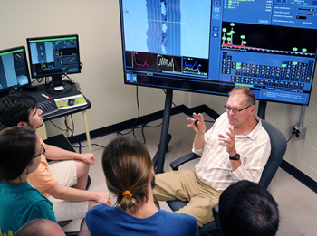 Dr. Kurt Sickfas at the University of Tennessee - Knoxville teaching the Materials Science lab class using the Phenom scanning electron microscope (SEM)