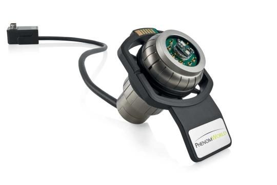 Electrical feedthrough sample holder for Phenom tabletop SEM